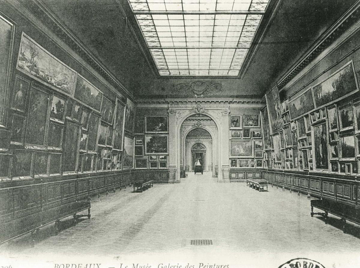 Intérieur du Musée es Beaux-Arts. Carte postale v.1900 © Musée des Beaux-Arts-mairie de Bordeaux.