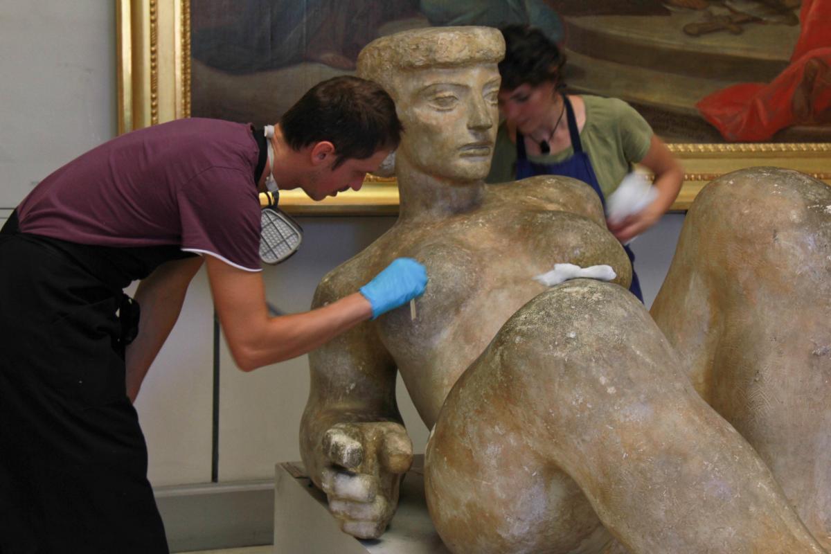Restauration d'une sculpture de Joseph Rivière©Musée des Beaux-Arts-mairie de Bordeaux