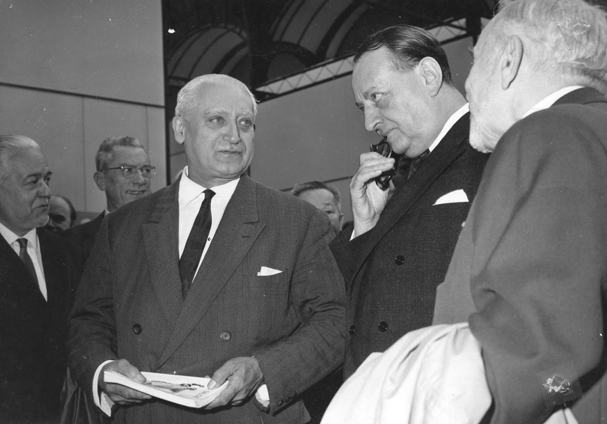 Alexandre Callède et André Malraux à l'inauguration du Salon des Artistes Français, Paris 1965 (c) Documentation. Musée des Beaux-Arts de Bordeaux
