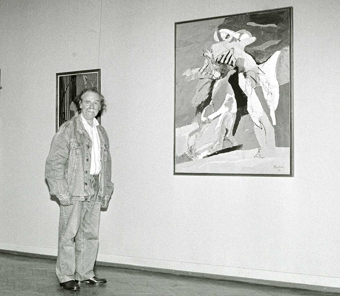 Image : Claude Bellan au musée des Beaux-Arts de Bordeaux, devant La Lutte avec l'ange, en juillet 1996