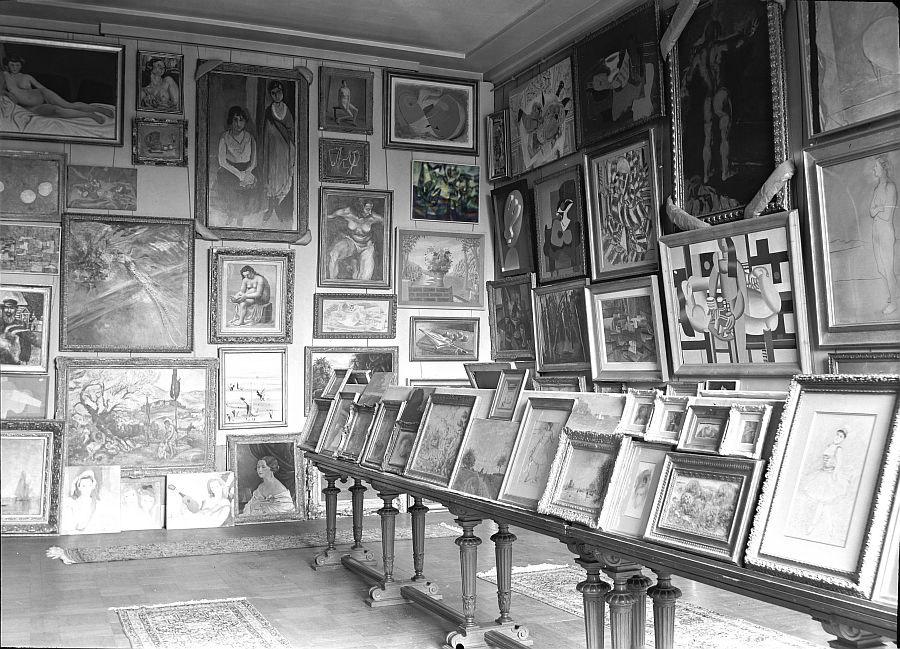 Image Salle des Martyrs au Jeu de Paume vers 1942. (c) Archives des musées Nationaux (030-438)
