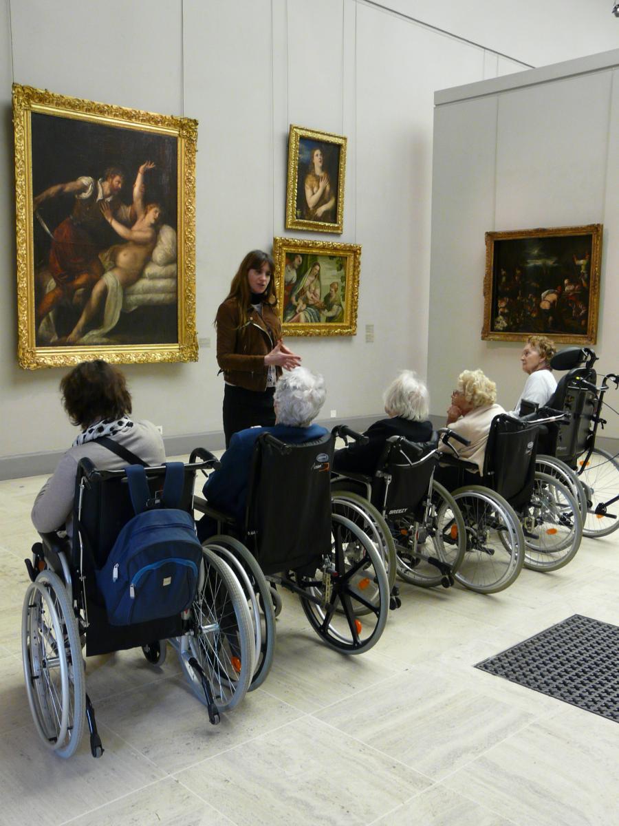 Visite en fauteuils roulants