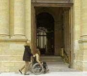 Photo de l'accueil du musée pour les personnes en fauteuil roulant © Musée des Beaux-Arts-mairie de Bordeaux. Cliché F.Deval