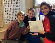 ; lettres des collégiens français reçues et étudiées par leurs correspondants au Collegiate School à Richmond © Monica Johnston