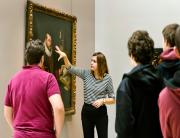 Photo d'une visite dans les expositions © Musée des Beaux-Arts-mairie de Bordeaux.