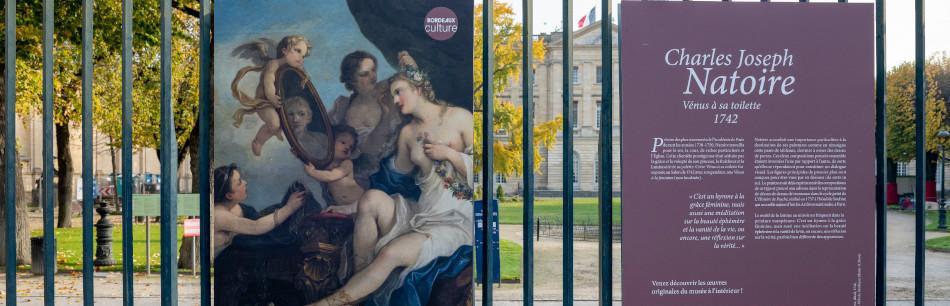 Florilèges, reproductions sur les grilles du Jardin de la Mairie