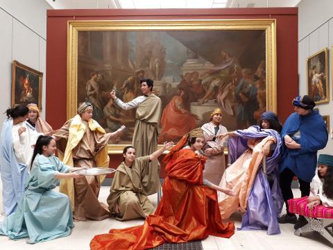 Les 5èmes du collège Blanqui de Bordeaux devant l'oeuvre de Van Loo. Photo I.Beccia