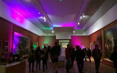 ambiance lumineuse dans les salles du musée pendant la Bacchanight 4
