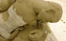 Image de la restauration d'une sculpture par l'atelier de la Croix Blanche©Musée des Beaux-Arts-mairie de Bordeaux.