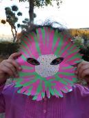 enfant de l'atelier masques fleurs